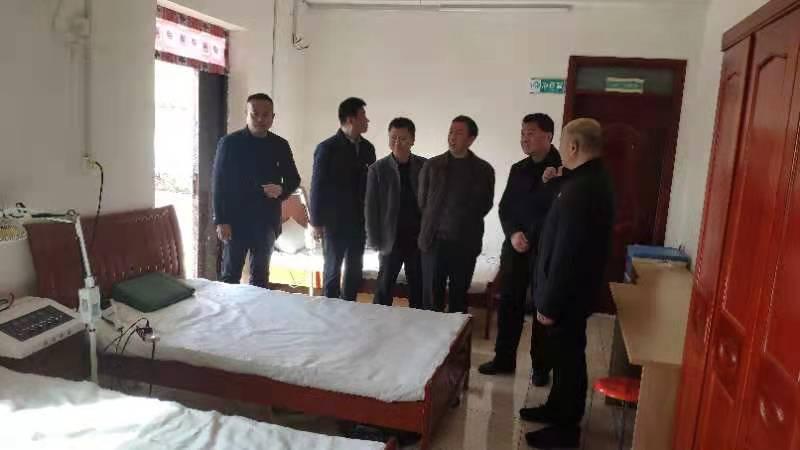 """""""立春""""时节送""""春风""""  许昌人防到张涧村慰问贫困群众"""